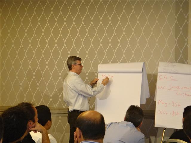 Fundador e CEO do HubSpot, Brian Halligan no Work-shop em Boston
